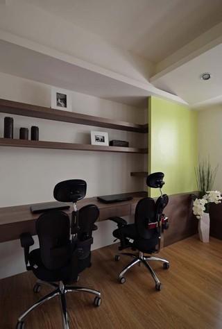 咖啡色素雅简约设计书房置物架装修图