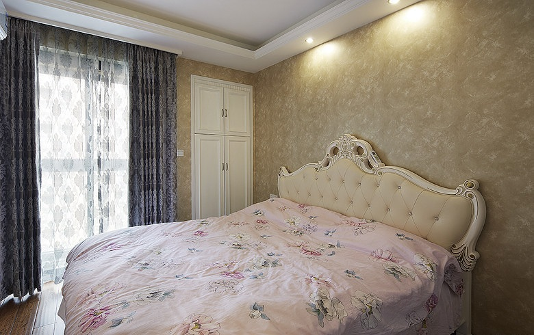 唯美简欧风格卧室窗帘装饰效果图