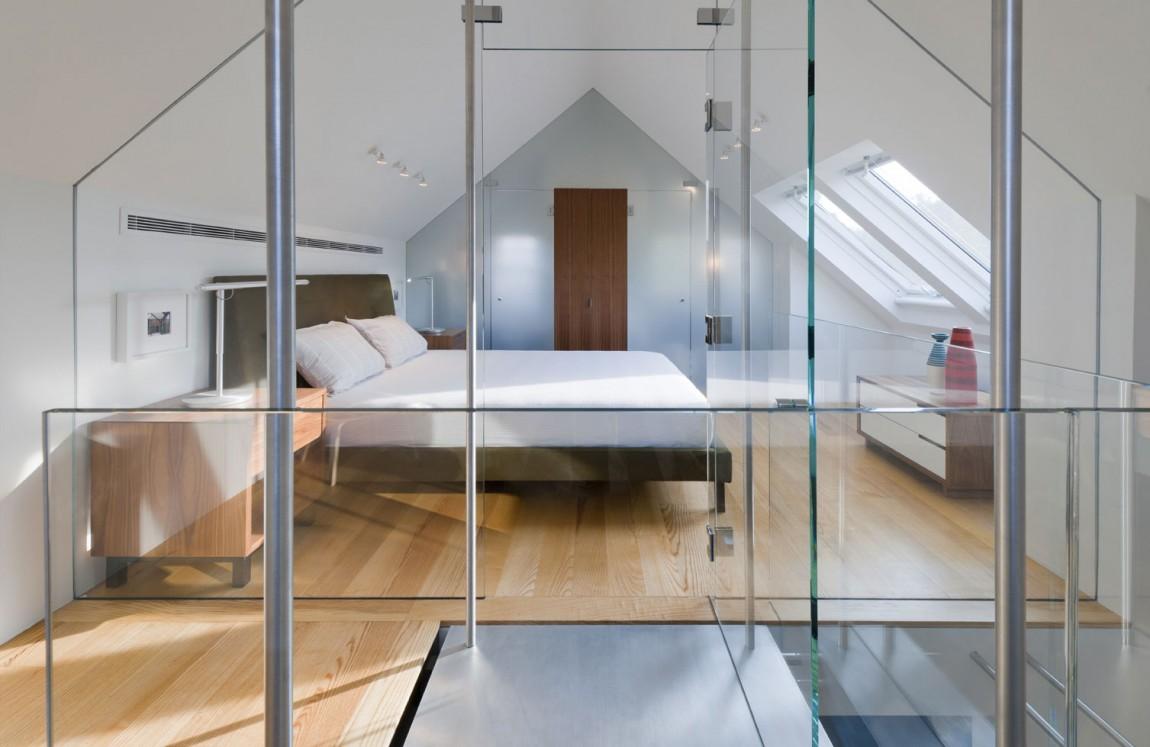 现代不规则吊顶卧室玻璃隔断效果图