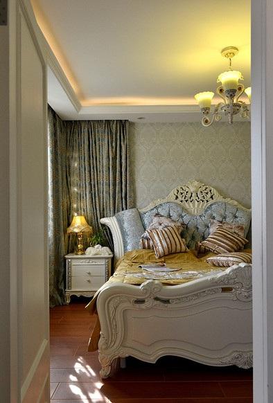 精致唯美简欧风格卧室窗帘装饰效果图