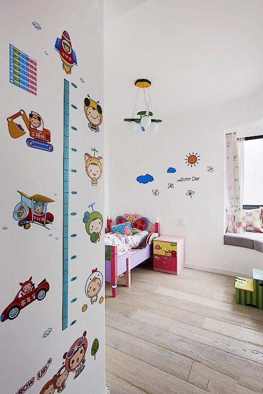简约活泼儿童房可爱墙贴效果图