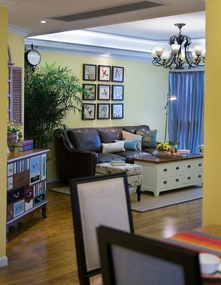 简约美式客厅相片墙装饰欣赏图