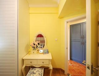 柠檬黄田园风梳妆台背景墙装修效果图