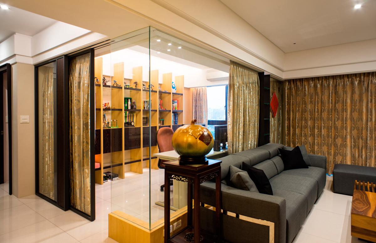 金黄色现代风格书房隔断设计玻璃装饰效果图