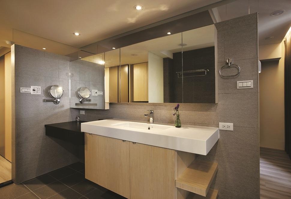 宁静现代室内卫生间装修图片