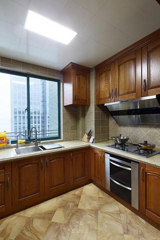 复古东南亚装修厨房实木橱柜效果图