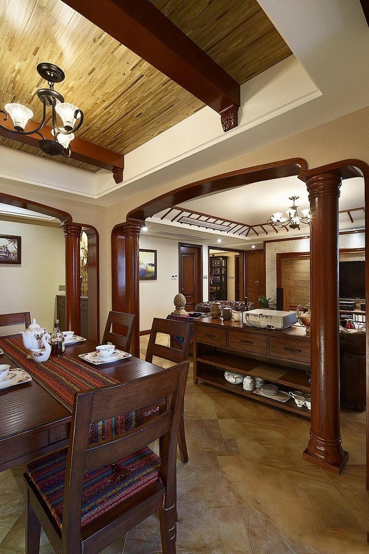 东南亚客餐两厅实木罗马柱隔断欣赏大全