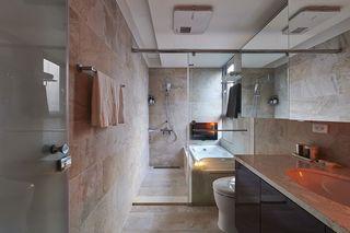 浅咖简约现代卫生间干湿分区设计