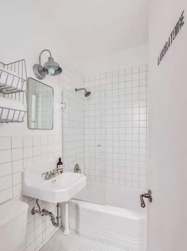 白色纯洁北欧风格卫生间装饰效果图