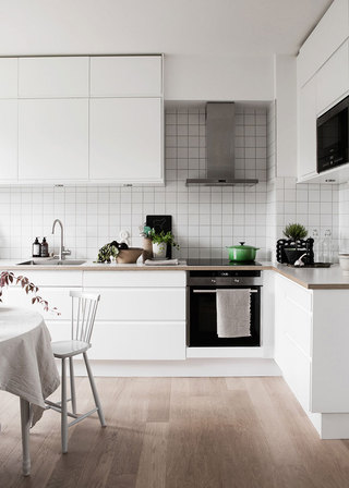 素雅北欧风厨房白色L型橱柜效果图
