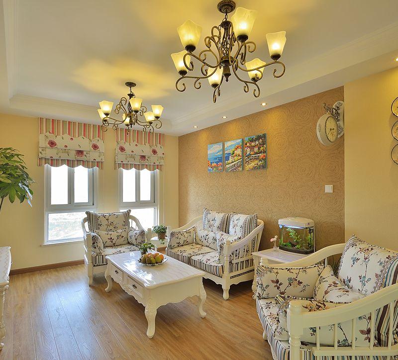 温馨暖黄简欧风格客厅装饰效果图