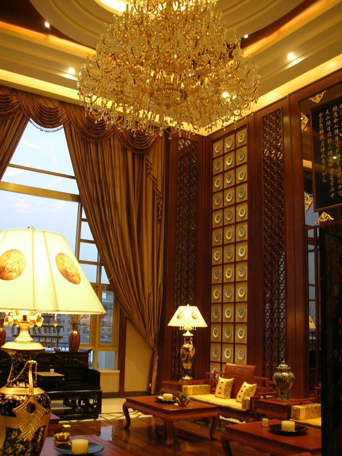 金色奢华典雅中式挑高客厅大吊灯效果图