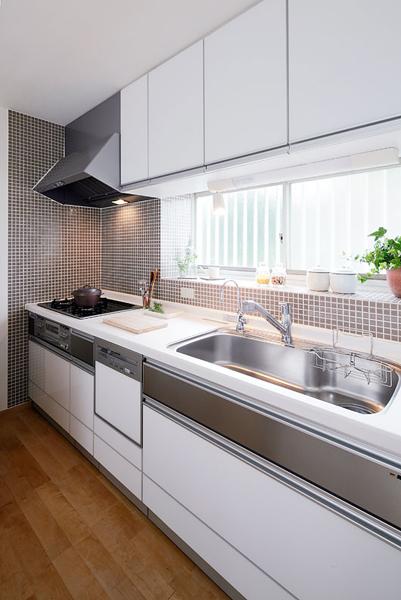78平简约日式风格二居室内设计装修图片