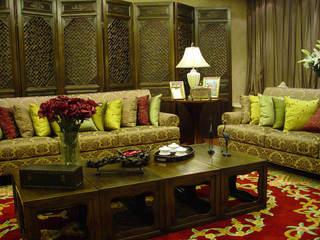古典混搭中式客厅屏风装饰图