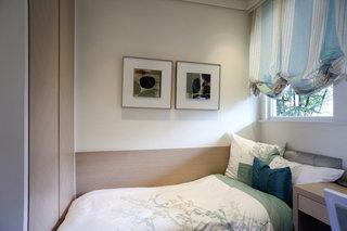 唯美清新现代风格卧室窗帘装饰效果图