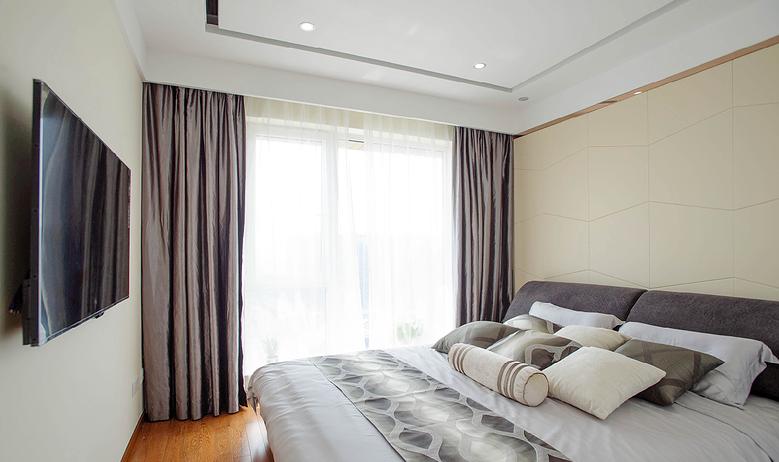 低调雅致现代风格卧室窗帘装饰效果图