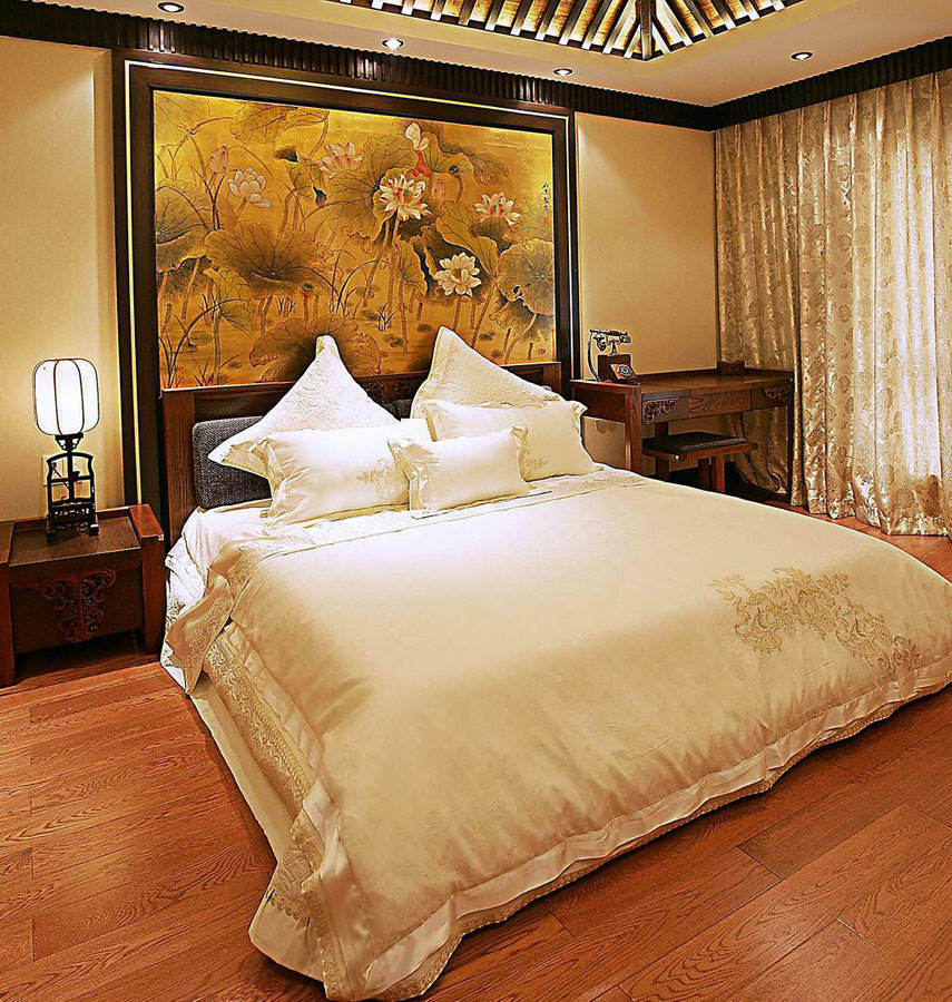 雍容华贵中式卧室背景墙装饰画设计