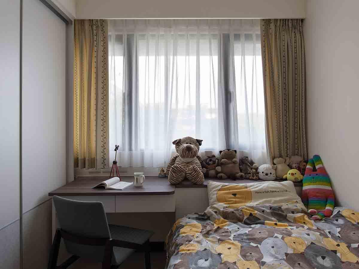 简约可爱现代儿童房窗帘装饰图