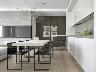 简约现代设计餐厅白色大理石餐桌装饰图