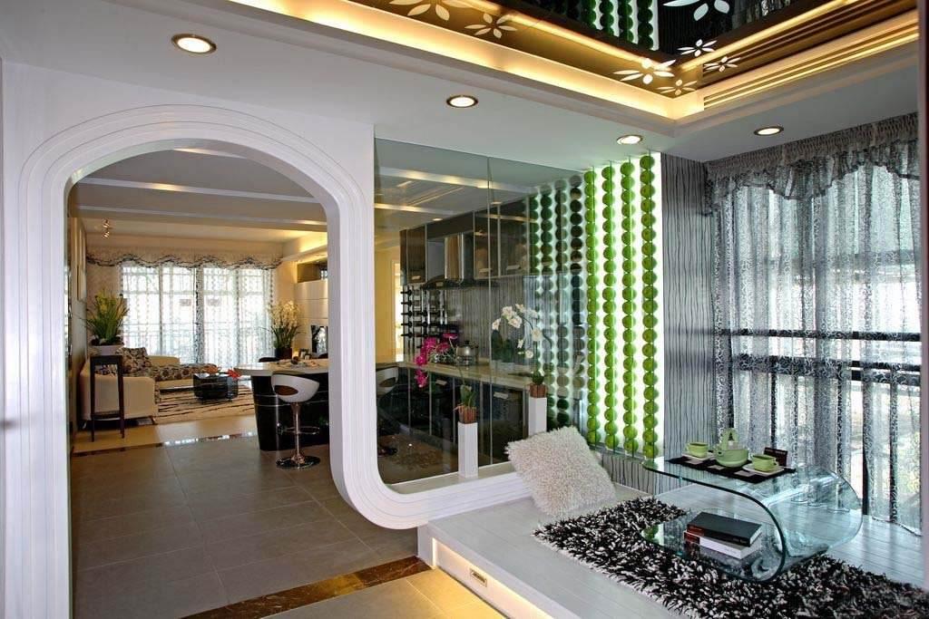 时尚现代家居垭口拱形门带玻璃窗隔断效果图