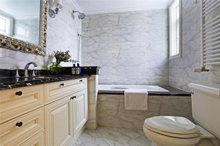 简约美式风格卫生间大理石背景墙装饰效果图