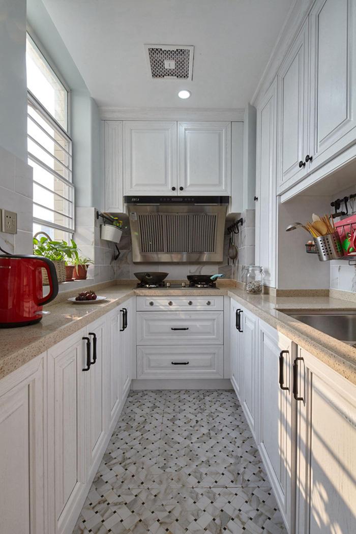 复古简约北欧风厨房白色橱柜设计效果图片