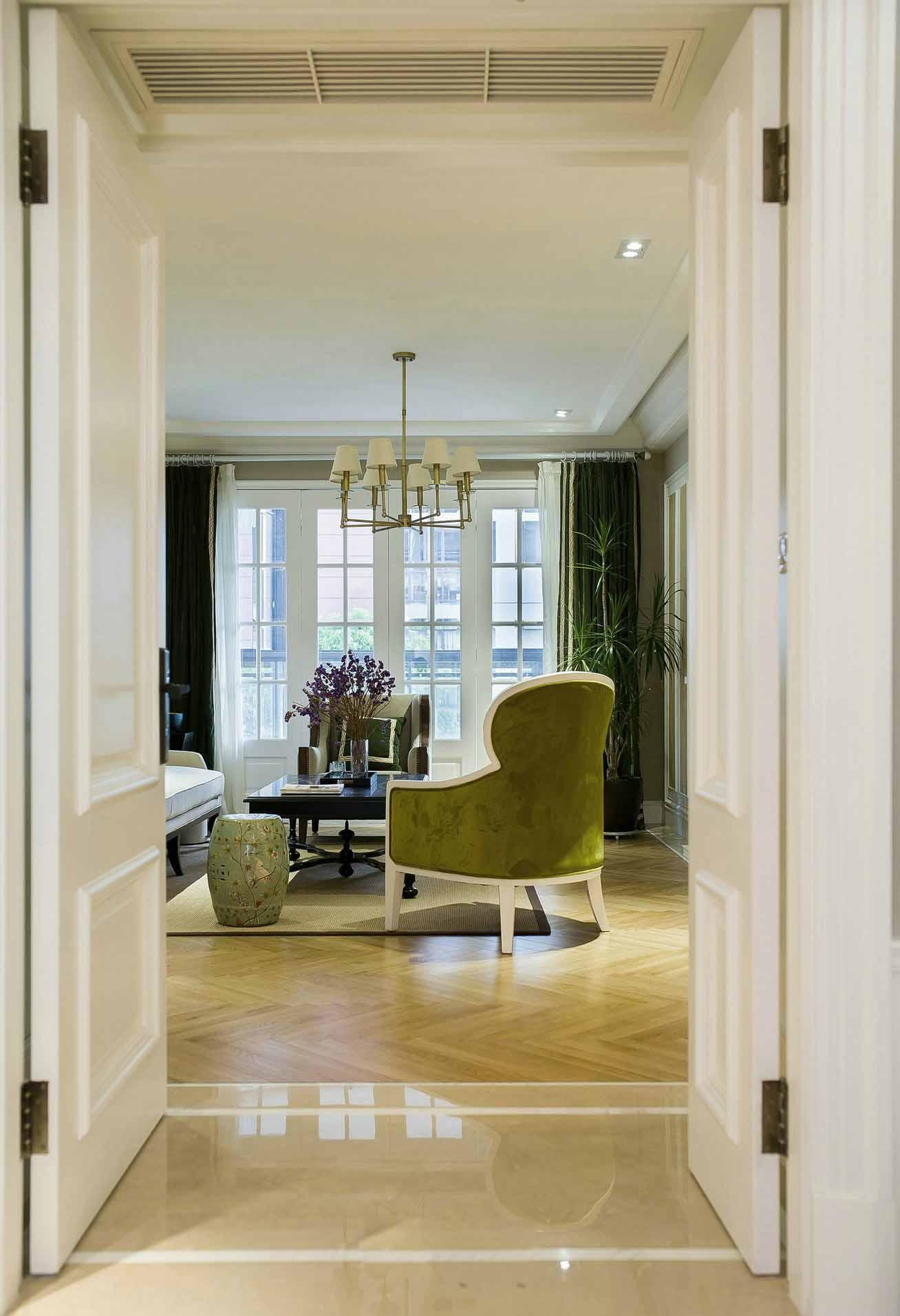 简约低奢美式白色实木门装修图片