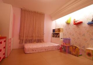 甜美粉色简约田园风儿童房设计