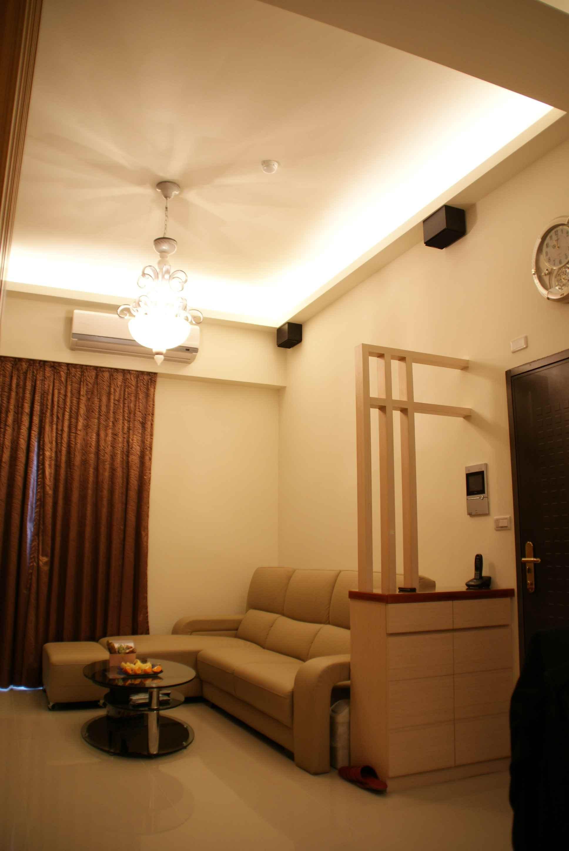 实木现代简约复式跃层客厅设计沙发装饰效果图