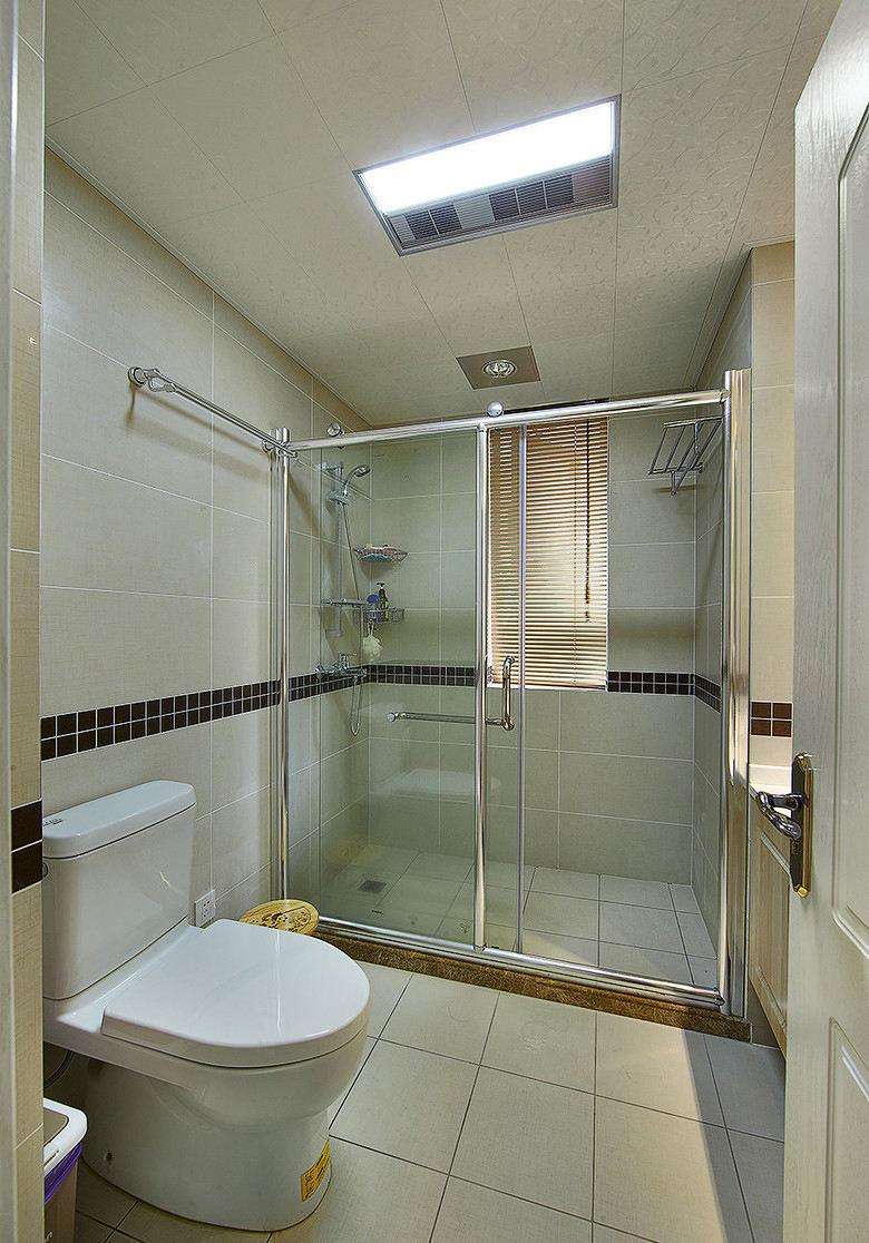 简约现代室内卫生间干湿分区效果图