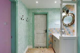 清爽绿色美式小卫生间设计