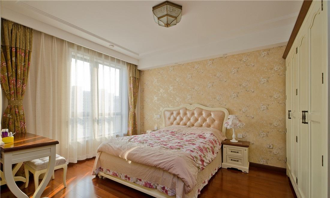 唯美卧室欧式壁纸背景墙装饰图