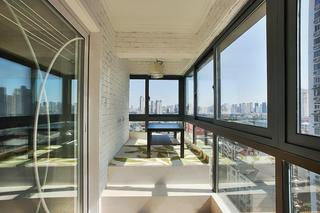 现代简约封闭式阳台白色文化砖设计效果图