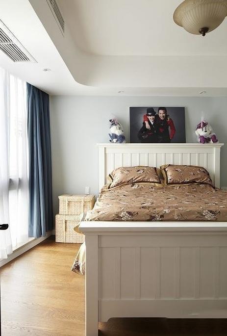时尚简欧风格卧室窗帘装饰效果图