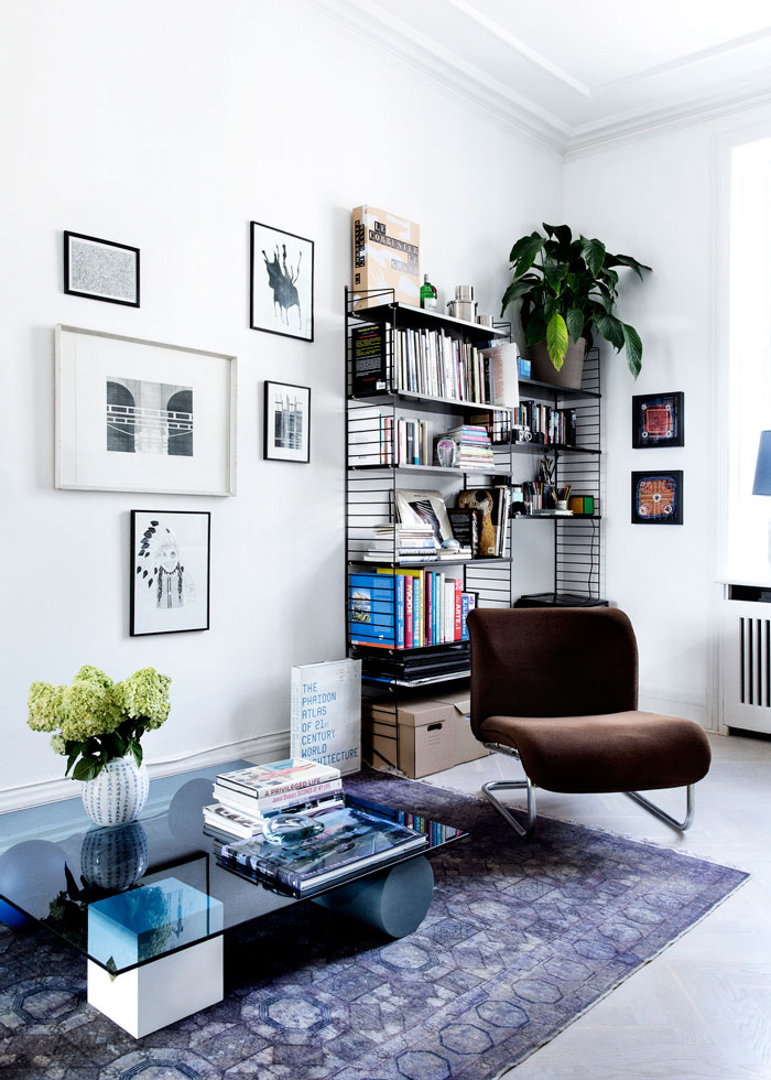明亮简约时尚北欧风格家居简易书架装饰设计图