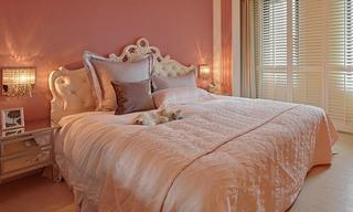 粉色唯美简欧风格卧室装修设计图