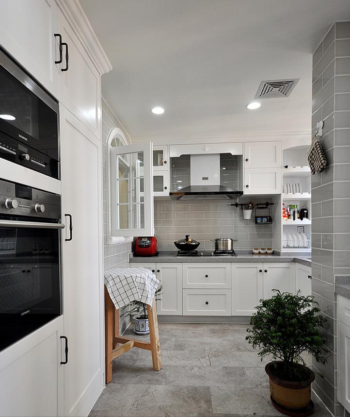 灰白美式风格整体厨房设计案例图