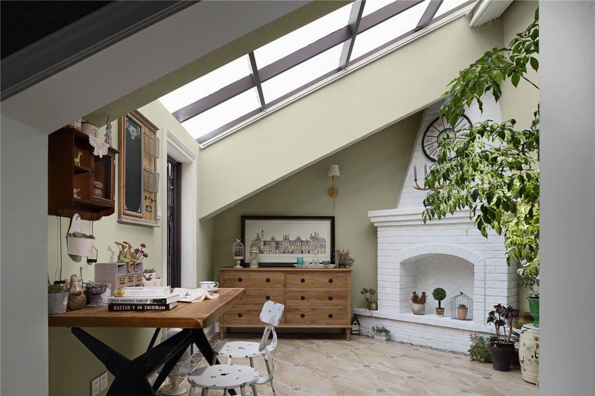 美式绿色阁楼大天窗斜顶效果图