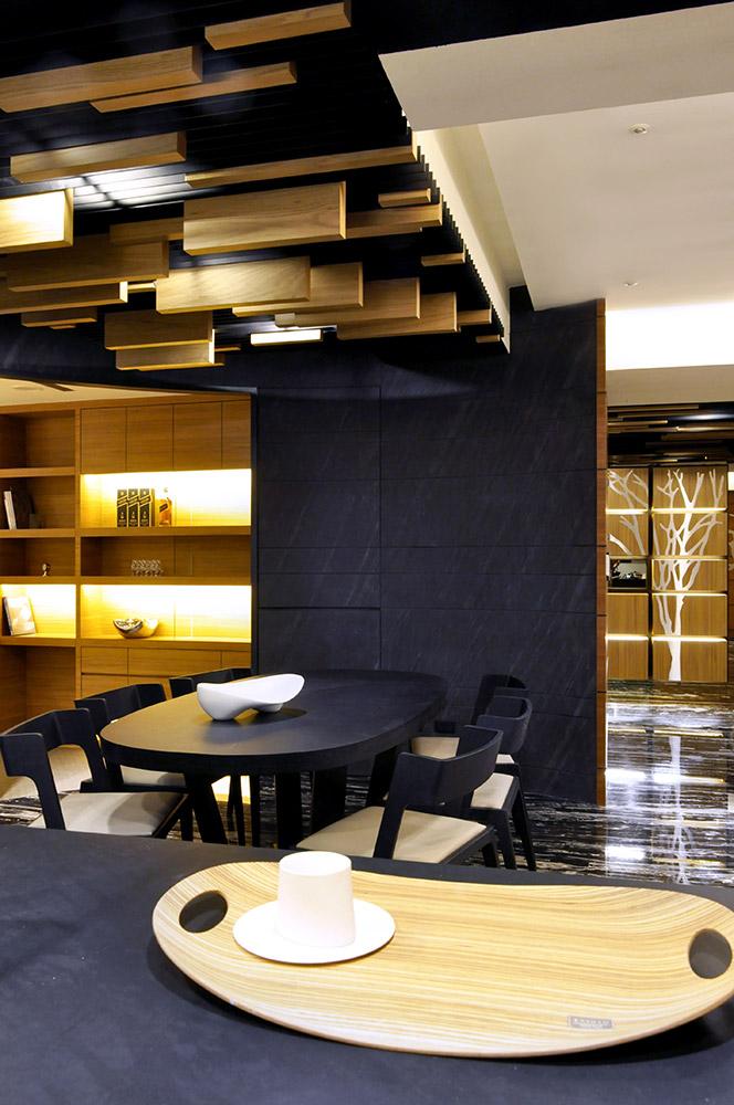 艺术潮流现代风格餐厅吊顶案例图