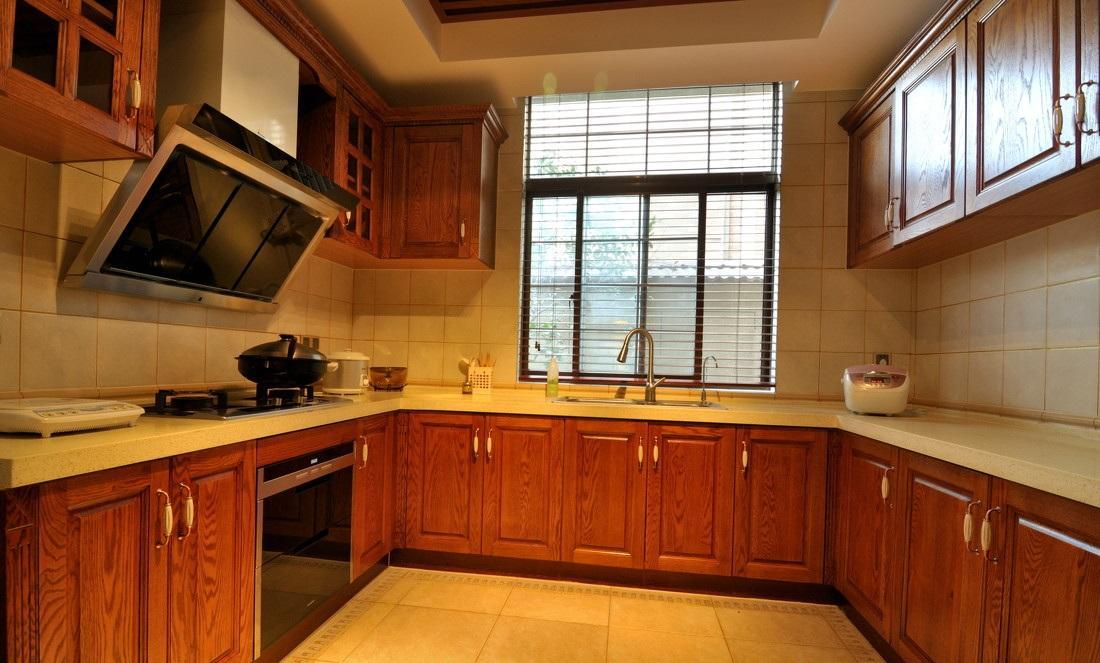 欧式风格U型厨房整体橱柜装修效果图