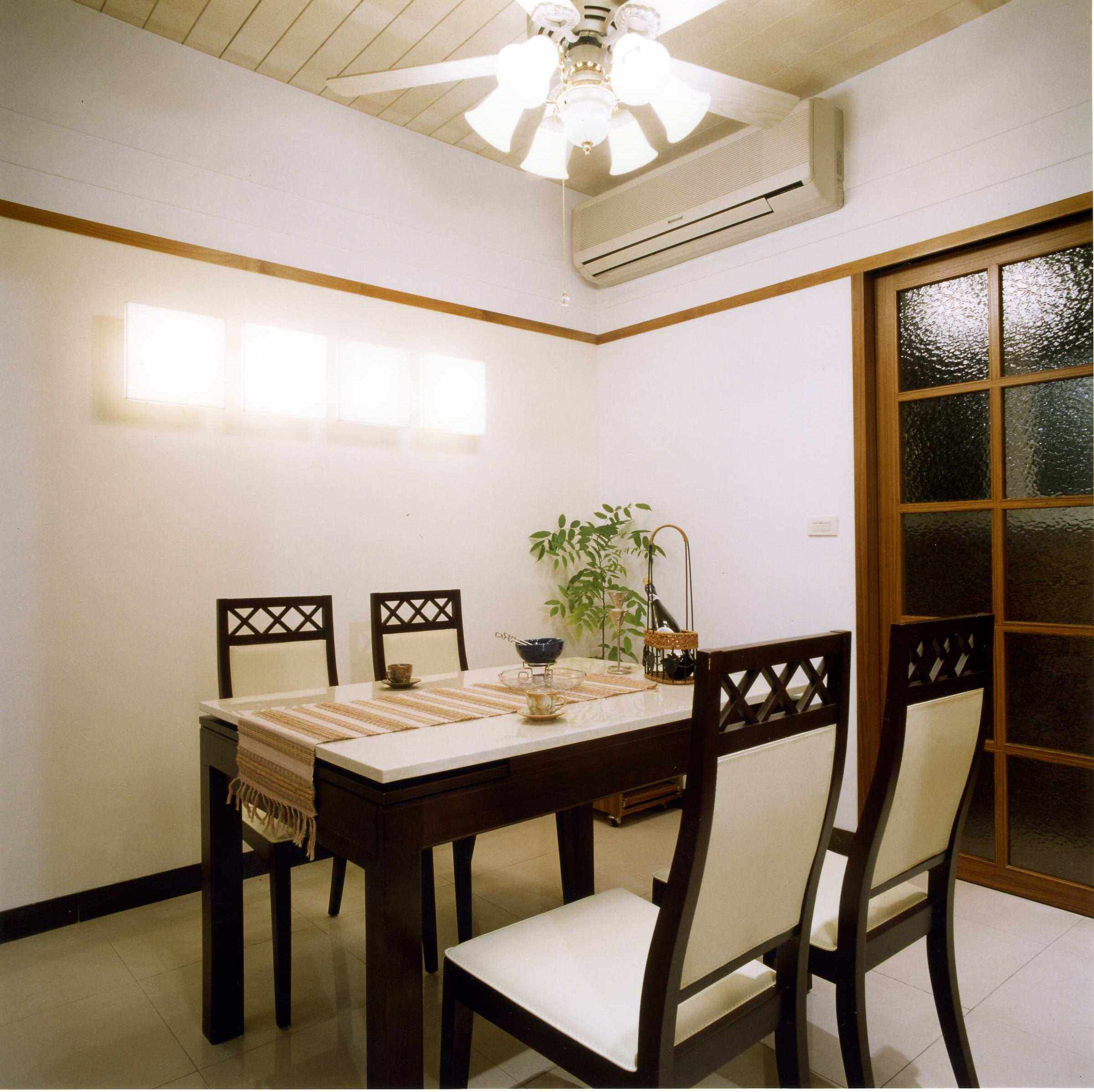 温馨简约现代中式风格餐厅效果图