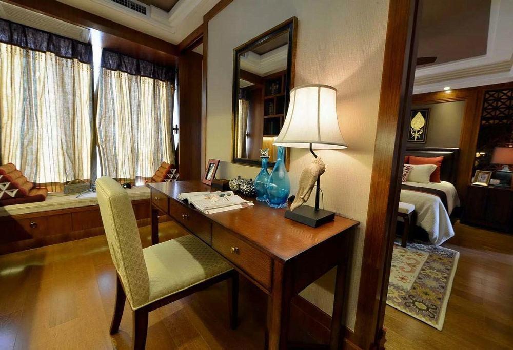 东南亚设计风格别墅书房飘窗设计图