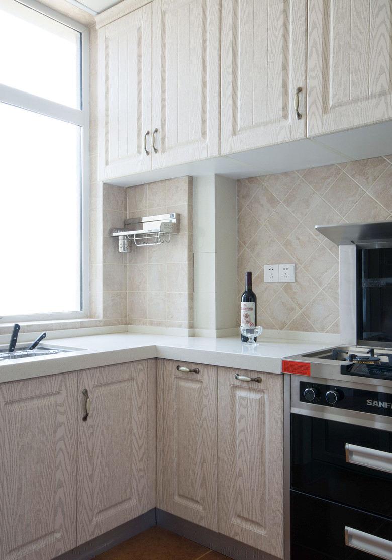美式风格厨房橱柜装饰效果图