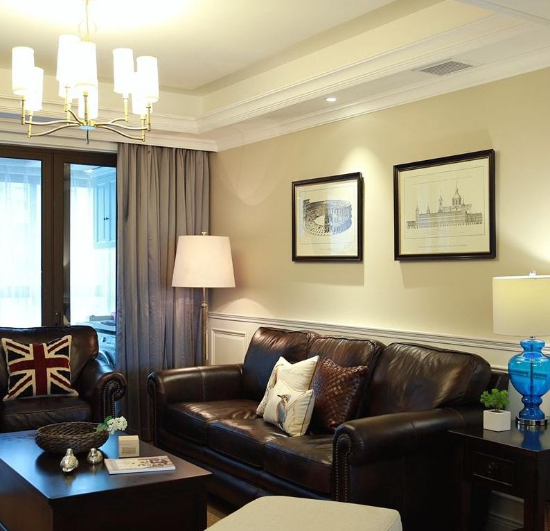 复古美式风格二居客厅真皮沙发装饰图