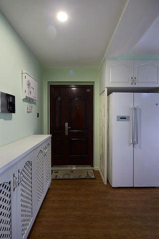 自然清新地中海风格二居室进门玄关鞋柜设计装潢图