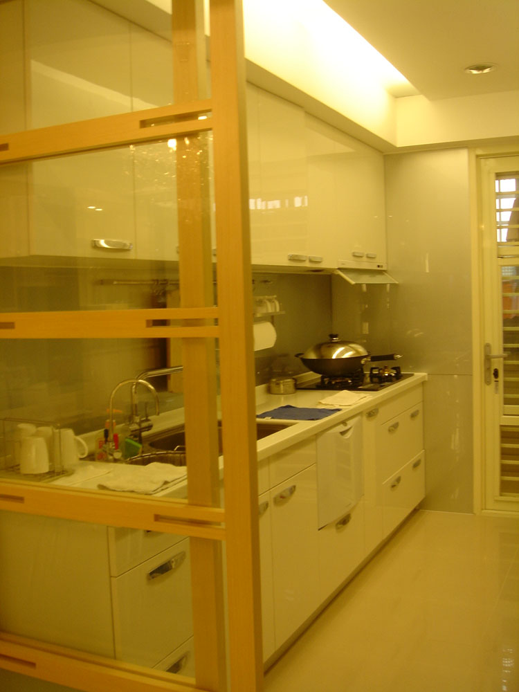 浅黄色现代中式风格厨房玻璃原木推拉门欣赏图片
