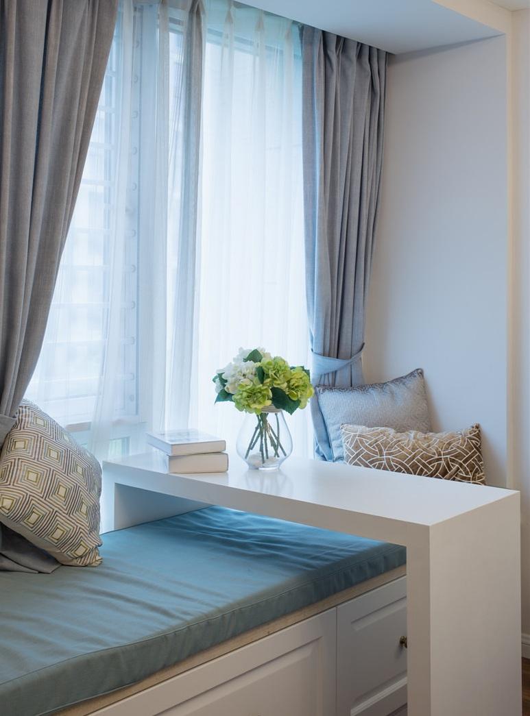 悠闲美式风格室内飘窗设计装修欣赏图片