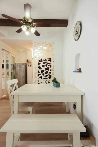 清爽地中海风格餐厅雕花镂空隔断效果图