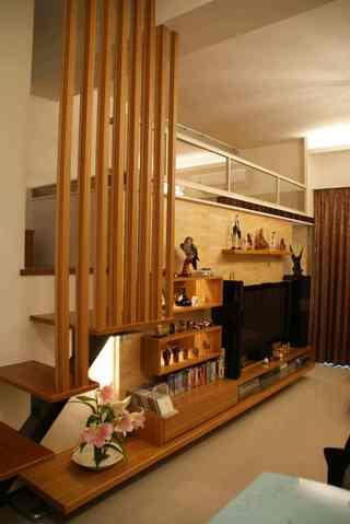 实木现代简约复式跃层楼梯背景墙隔断设计