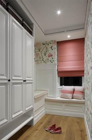 柔美浪漫粉色简美玄关鞋柜设计